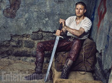 Charlie Hunnam in Regele Arthur